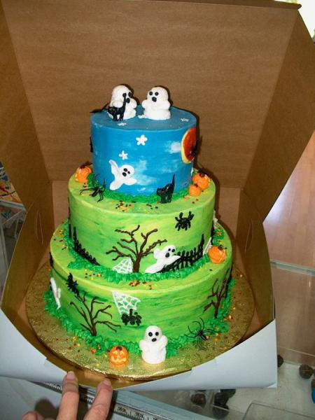 A ghostly cake with Halloween in mind.]